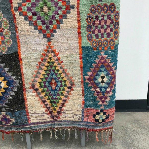 Cosa kolleksjon av marokkanske tepper. Boucherouite i nydelige farger.
