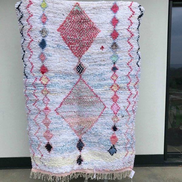 Boucherouite teppe vevd for hånd i Marokko. Sarte pasteller og tykk bomull.