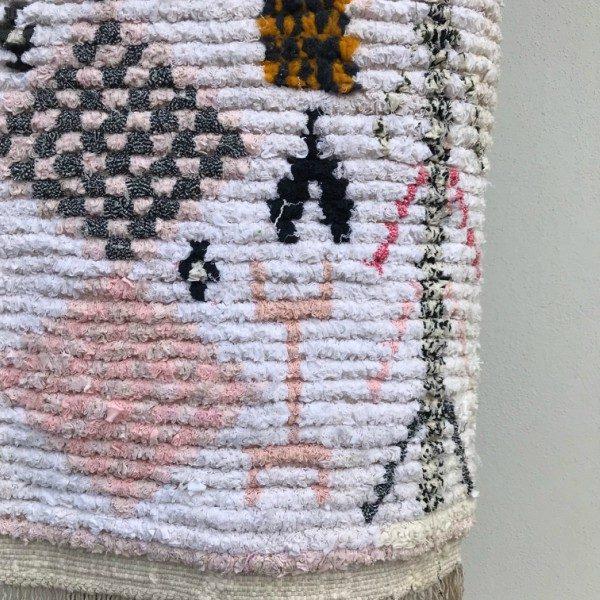 Boucherouite teppe vevd for hånd i tykk bomull. Helt unikt og spesielt.