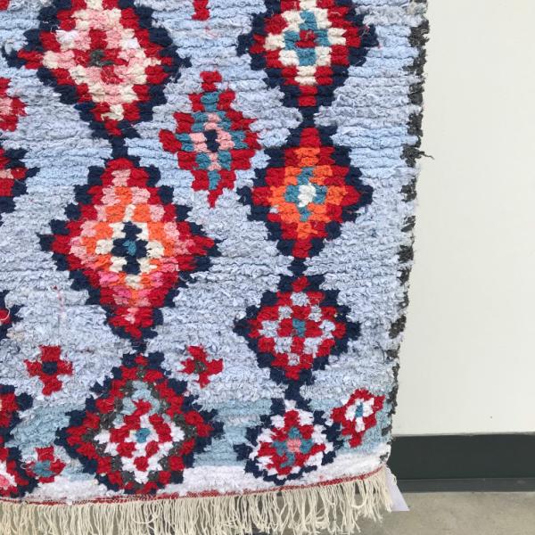Boucherouite teppe i nydelige farger. Vevd for hånd i Marokko. Unikt.