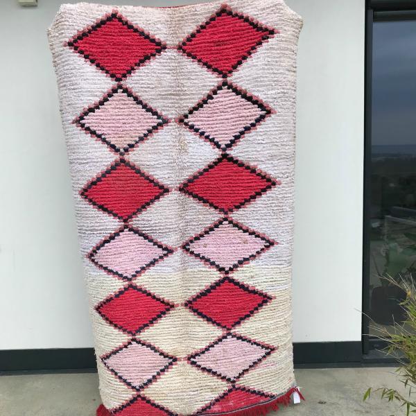 Boucherouite teppe fra Cosa sin marokkanske kolleksjon. Nydelige farger, vevd for hånd.