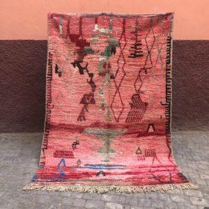 Bejaad teppe 250 x 170 cm til salgs. Vevd for hånd i 100% ull i Marokko. Unikt og tidløst.