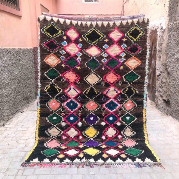 Vakkert vintage teppe fra Ourika. Vevd for hånd i Marokko. Helt unikt.