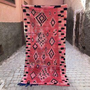 Bejaad teppe 210 x 110 cm. Vevd for hånd i Marokko. Vintage og helt unikt.