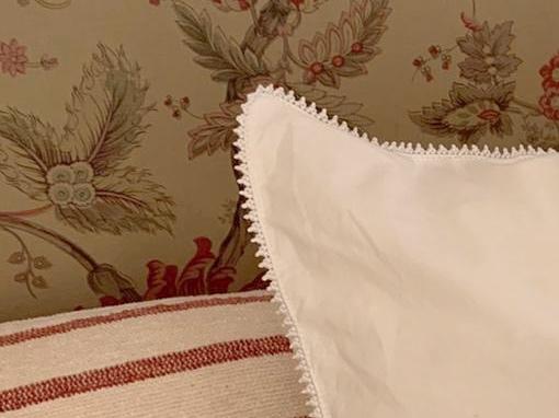 Vakkert sengetøy brodert for hånd i egyptisk bomull. Se cosa.no