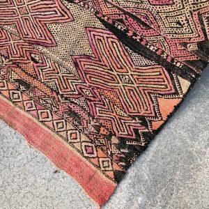 Nydelig vintagekelim i ren ull. Våre marokkanske tepper er knyttet for hånd .