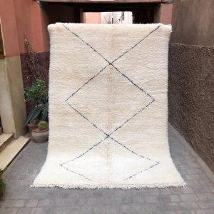 Myk og digg Beni Ourain i 100% ull. Knyttet for hånd som alle våre marokkanske tepper!
