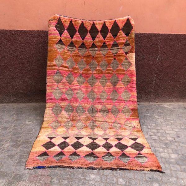 Vakkert vintageteppe fra Bejaad, Marokko til salgs i nettbutikken!