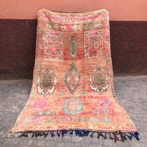 Vakkert vintage berberteppe fra Marokko.