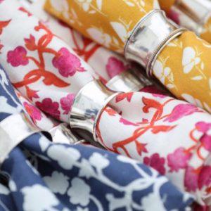 Linservietter med håndmalte motiv fra Gyri design.